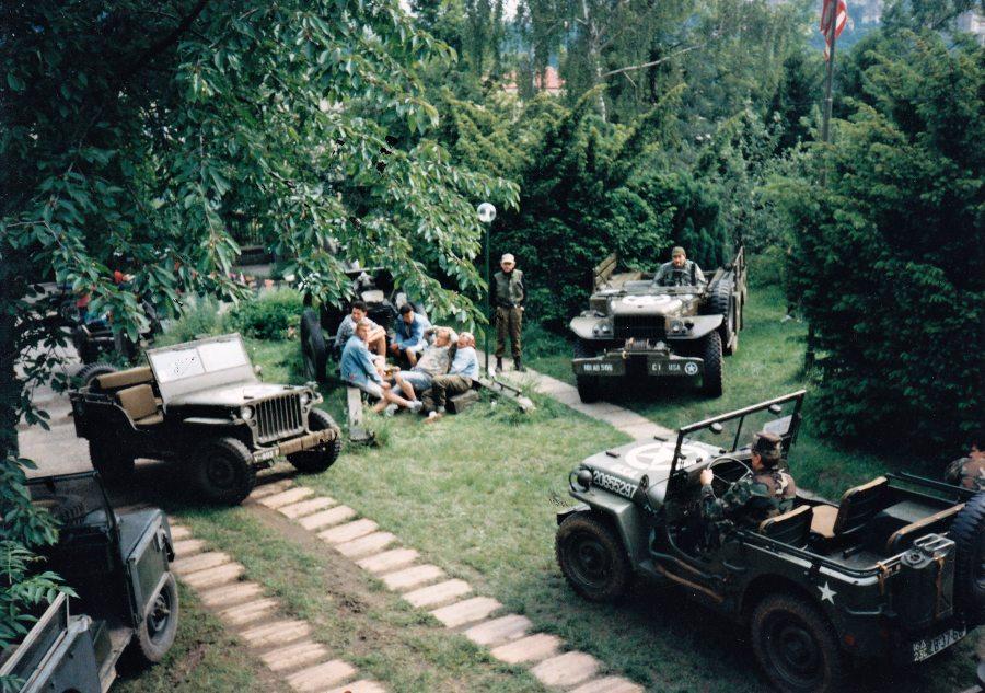 """Oslavy vylodění spojenců v Normandii """"Overlord 1944"""" v Jeep baru"""